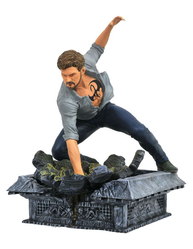 The Defenders Marvel TV Gallery statuette Iron Fist 20 cm